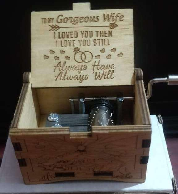 gorgeous wife music box